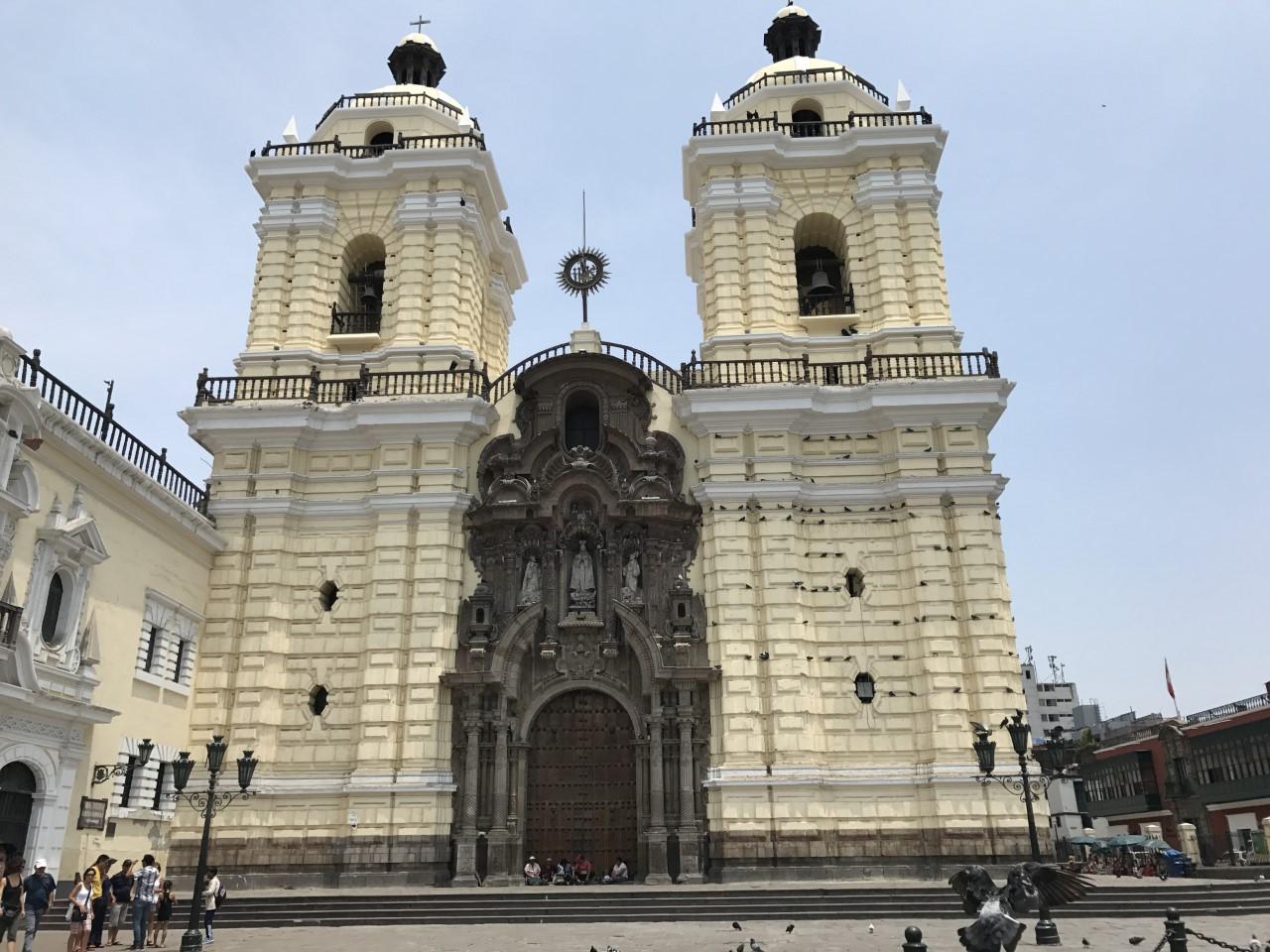 plaza armas lima