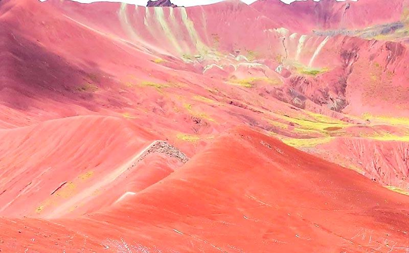 valle rojo pitumarca incas peru